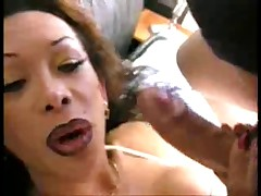 Latina shemale fucks her admirer